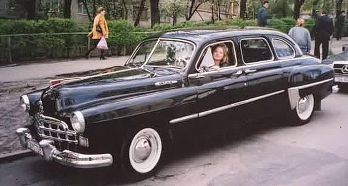 ГАЗ-М-12 на улицах Москвы