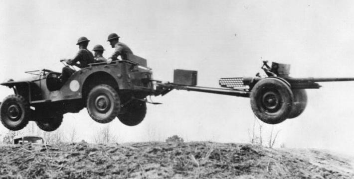 В СССР Willys MB часто использовали в качестве тягача противотанковой артиллерии